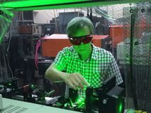 Install the high resolution wavelength tunable laser-2